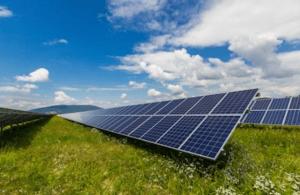 Cómo conectar paneles solares en paralelo o en serie