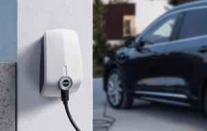cómo cargar coche electrico con paneles solares
