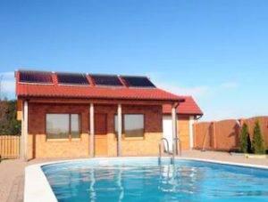 Cómo limpiar una piscina con energía solar