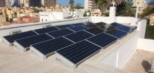 ¿Qué necesito saber para poner placas solares en el tejado de mi comunidad?