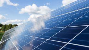 como saber que panel solar comprar